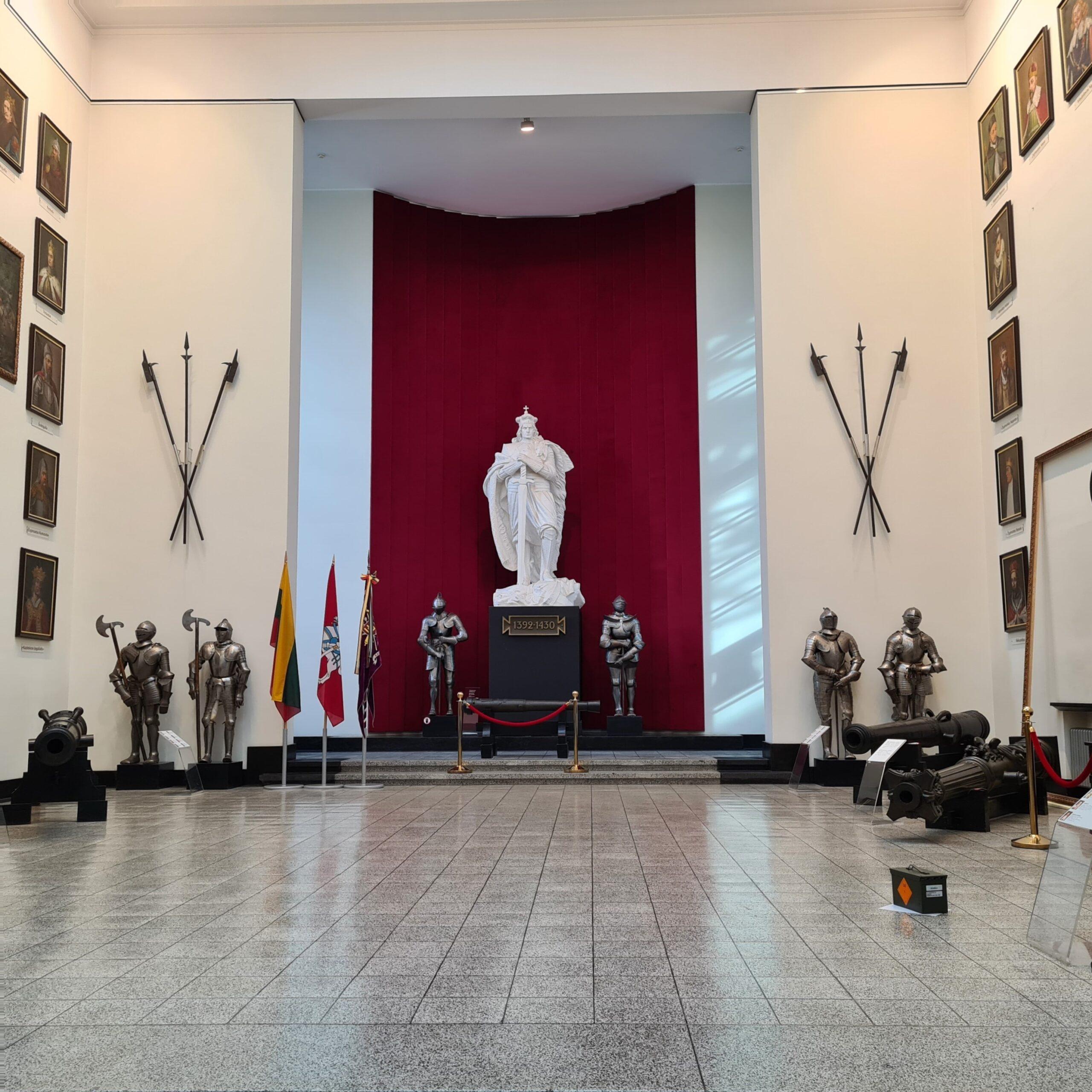Binnen in het oorlogsmuseum